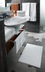 Nagy fürdőlepedő Motion 100x150cm